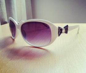 White Acrylic Sunglasses with Bows
